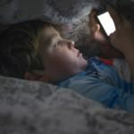 Handy / Smartphone nachts im Zimmer? Warum schädlich? Kinder sollten das Smartphone am Abend abgeben